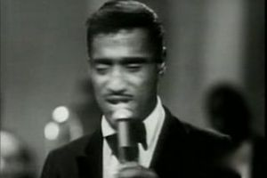 Crooners : Sammy Davis Jr imitant magistralement ses compères (DailyMotion)