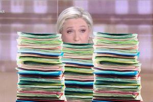 Débat présidentiel : les fiches de Marine Le Pen ne sont pas passées inaperçues