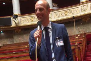 La rentrée des nouveaux députés à l'Assemblée nationale, vue des réseaux sociaux