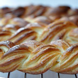 Les craquelins : viennoiserie du Nooooord à la pâte levée feuilletée briochée