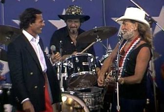 WILLIE NELSON & JULIO IGLESIAS - TO ALL THE GIRLS I'VE LOVED BEFORE