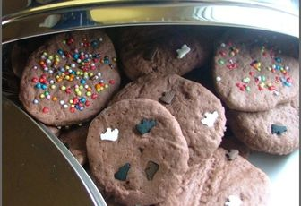 Biscuits rigolos au cacao