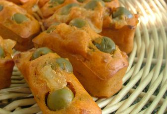 Mini cakes olives vertes & mozzarella
