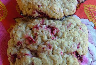 Cookies aux framboises & au son d'avoine de Laura Todd