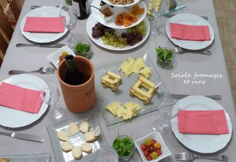 Soirée fromages et vins (cheese and wine)