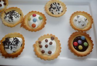 MINI TARTELETTES CHANTILLY ET PERLES CHOCOLAT