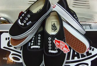VANS AUTHENTIC BACK IN STOCK !