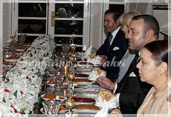خاص بصفحة محبي محمد السادس: الملك في حفل زواج بدولة الإمارات أبوظبي