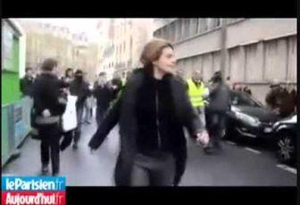 Caroline Fourest : Cours Fourest ! Cours !