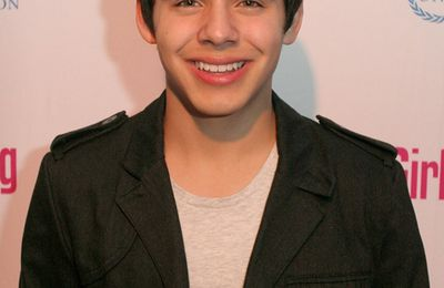 David Archuleta y Monique Coleman: Variety's Girl Up