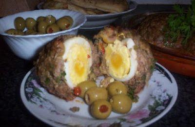 اللحم المفروم محشى بيض وزيتون ... بالخطوات المصورة
