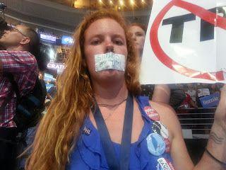 The Rabble Rise Together Against Bernie, Barney, Elizabeth and Hillary  - Par RUSSELL MOKHIBER