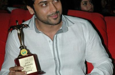 [PHOTOS] Surya @Jaya TV Awards 2011