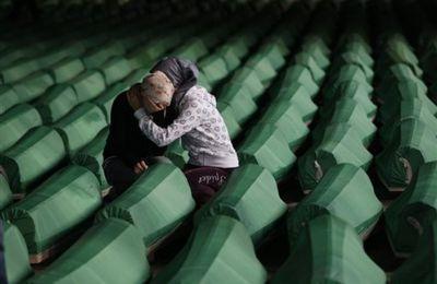20 ans après: le génocide de Srebrenica victime du négationnisme