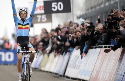 Mondial de cyclo-cross : Albert et la Belgique dominent le Monde