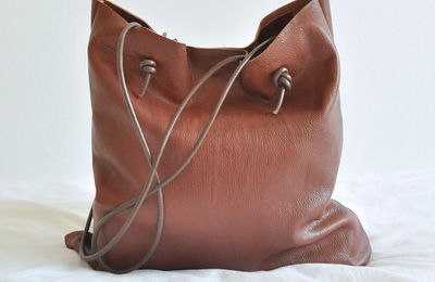 Sac simple mais en cuir
