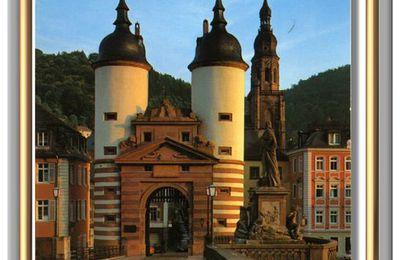 HEIDELBERG - Porte du Pont et monument de Charles-Théodore