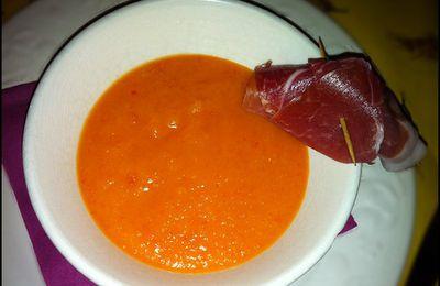 Velouté froid de melon et sa brochette de jambon cru