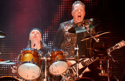 METALLICA will release a live album recorded at the Bataclan