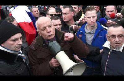 Le général Piquemal arrêté à Calais
