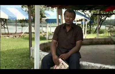 Nestlé, un géant qui ruine l'économie de l'Afrique (Vidéo)