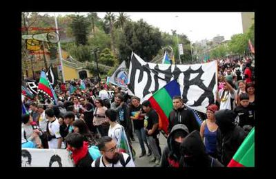 VIDEO: Chile: Mapuche Protesters Clash with Police / Marcha Mapuche en Santiago de Chile