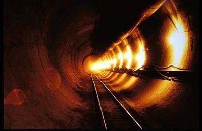 Les bases et tunnels souterains