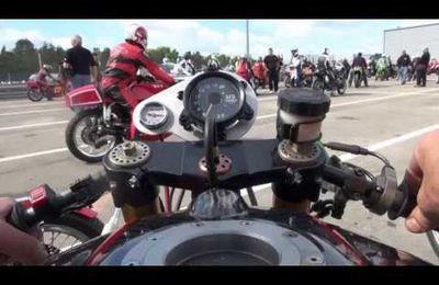 Coupes Moto Légende 2013 : pilotes et motos en prégrille