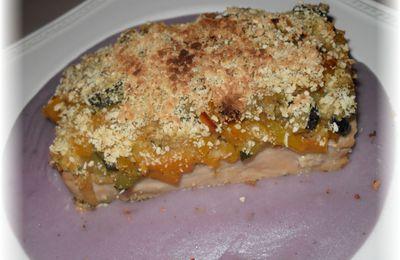 Pavés de saumon panés aux légumes et chapelure sur lit de velouté de vitelotte
