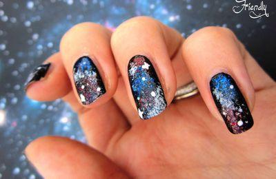 L'article a déménagé :Nailstorming : Planète, Galaxie et autres Trous Noirs