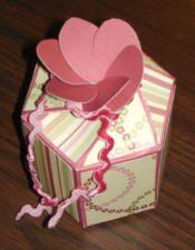 TUTO : Boîte à 6 côtés et fermeture en forme de fleur