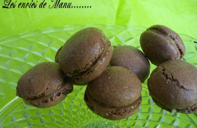 Macarons au chocolat et crème caramel à la fleur de sel