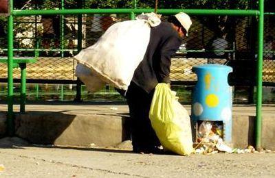 Des pauvres toujours plus miséreux