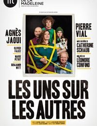 "Théâtre ""Les uns sur les autres"" en tournée 2015"