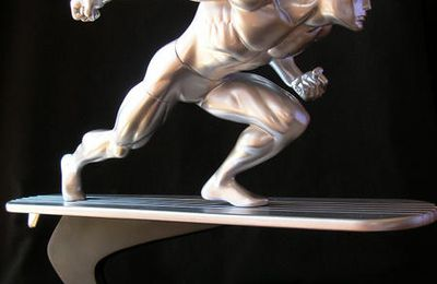 Silver Surfer Action-Pose