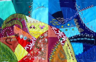 Quilt crazy, assemblage de blocs / Crazy quilt, blocks sewn together