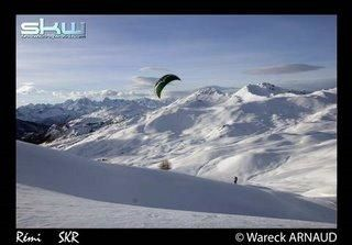 Snowkiting in cervières by snowkiteair