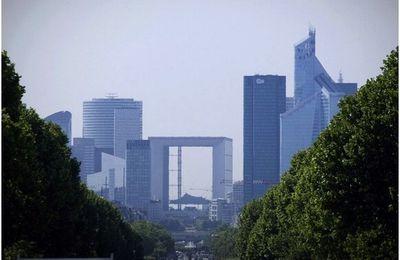 La tour First devient le plus haut gratte-ciel de France