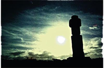Rapa Nuit et sa lune