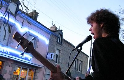 Concert à Malansac avec Peignard and Co
