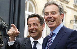 Ségolène Royal faisait référence à Tony Blair au début de la campagne interne, cherchait à briser certains tabous, puis elle a donné des gages à l'orthodoxie (Profession Politique, 27/04/2007