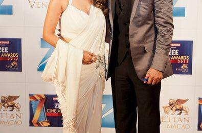 Shahrukh Khan & Gauri sur le tapis rouge des Zee Cine Awards 2012 - Macau