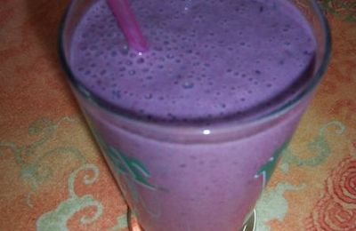 Smoothies aux fruits rouges