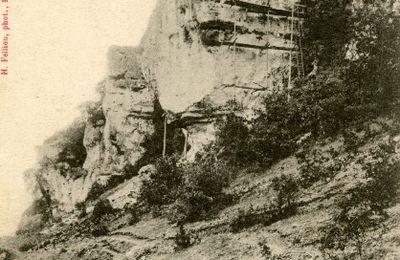 BRANTOME : reportage en dynamitage... Dislocation du Rocher branlant au Pont des Roches.