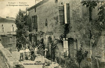 CORGNAC SUR L'ISLE : effondrement du clocher en 1906.