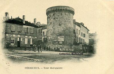 PERIGUEUX : les publicités de la tour MATAGUERRE.