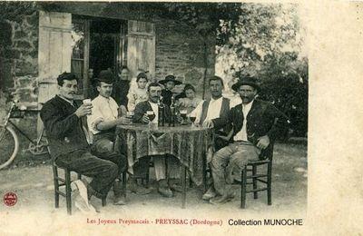 PREYSSAC Les Joyeux Preyssacais . Carte postale ancienne .
