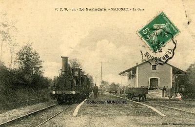 SALIGNAC EYVIGUES La Gare . Carte postale ancienne .