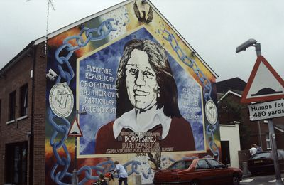 82) Falls Road, West Belfast