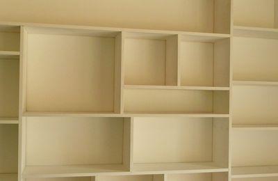 la bibliothèque blanchit